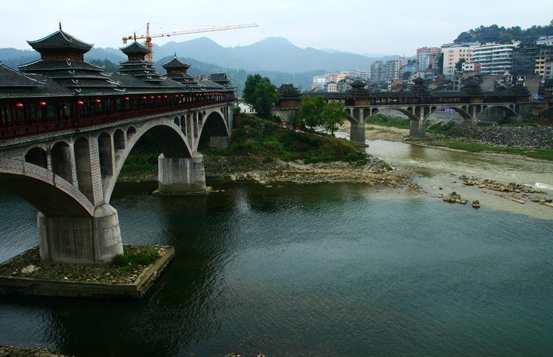 锦屏县城的风雨桥-贵州十六 翘街和隆里古城