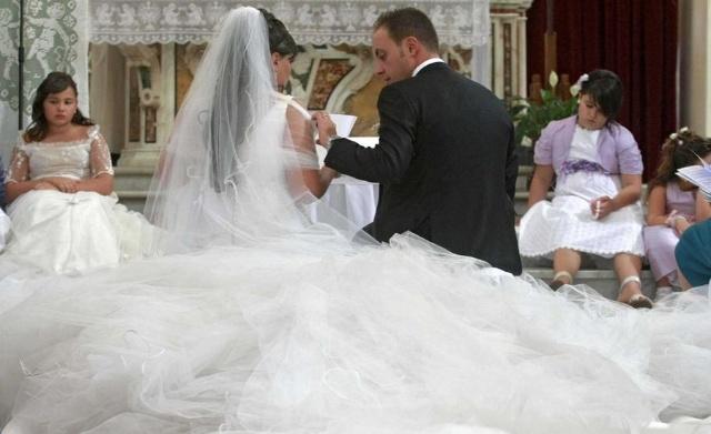 世界最长的婚纱 组图