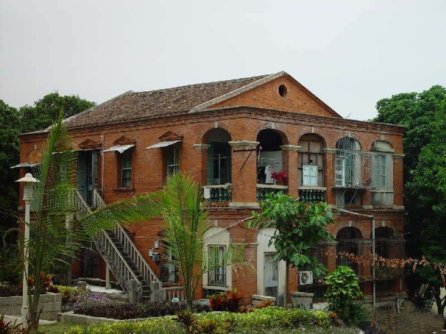 红砖自建别墅图片