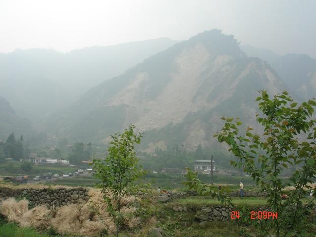 龙门山断裂带龙门山镇的所见图片