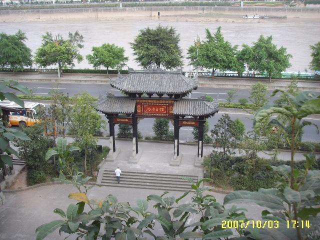 市规划展览馆,这里头有很多重庆市最近大型综合项目的效果图: