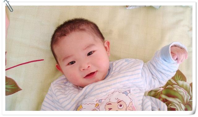 宝宝的新发型