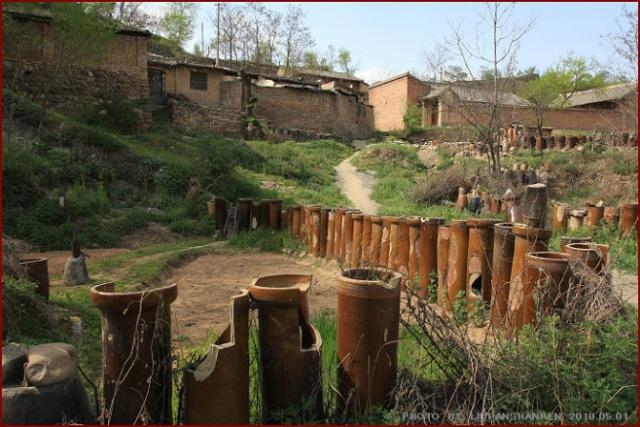 农村别墅墙头栅栏图片