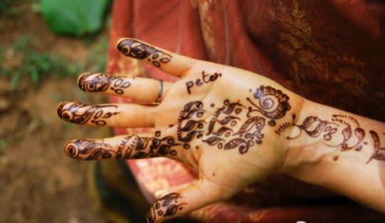 揭秘印度美丽新娘神秘手绘(组图)
