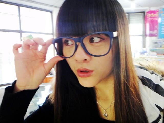 九就零后带眼镜框-娜么可爱-搜狐