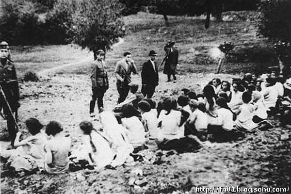 二战纳粹屠杀犹太女人 裸尸遍地 组图图片