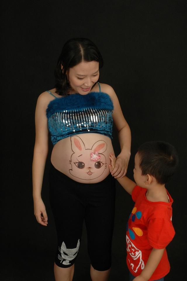 周大肚照_谢娜怀孕20周大肚照高清图娱乐杨振的博客强