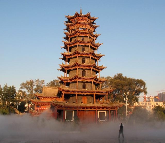 木塔寺最初建于北周,经隋,唐,明,清各朝重修.