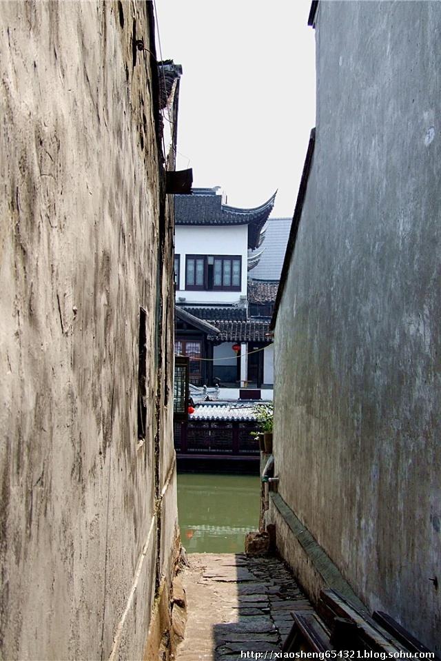 壁纸 风景 古镇 建筑 街道 旅游 摄影 小巷 640_959 竖版 竖屏 手机