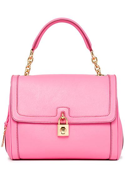嫩粉色小金锁挂扣手袋-侵占你的视线 Dolce Gabbana超炫手袋 高清大图